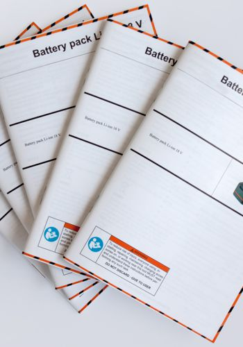 OPERATING MANUALS, BROCHURES AND FLYERS